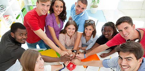 students participate in group discussion