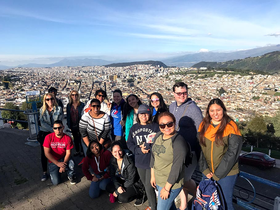 quito-group.jpg