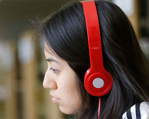 Student wearing a headphone
